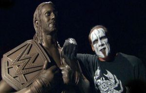 Sting, Seth Rollins statue, WWE Raw, September 7, 2015