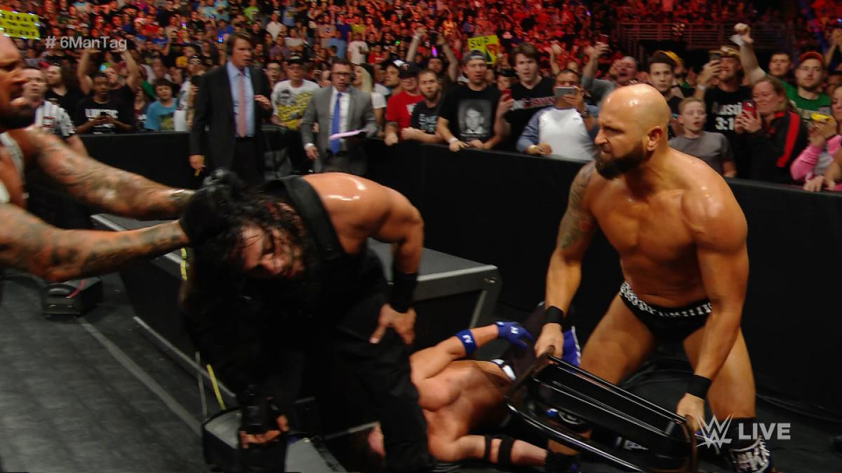 b9a8a5457cbd9 WWE Raw, May 9, 2016, Roman Reigns, Karl Anderson