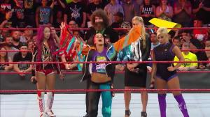 wwe-raw-september-12-2016-bayley